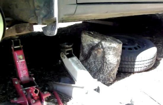 Какое масло заливать в механическую коробку передач Тойота Королла 150