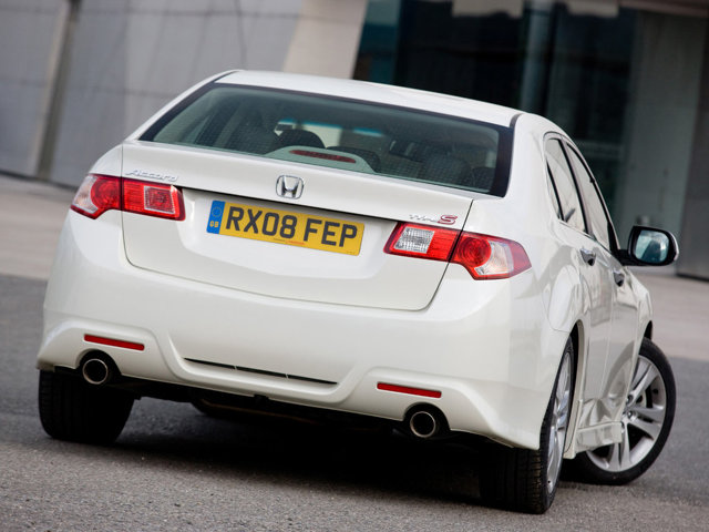 Какое масло лучше заливать в двигатель Хонда Аккорд 8 поколения