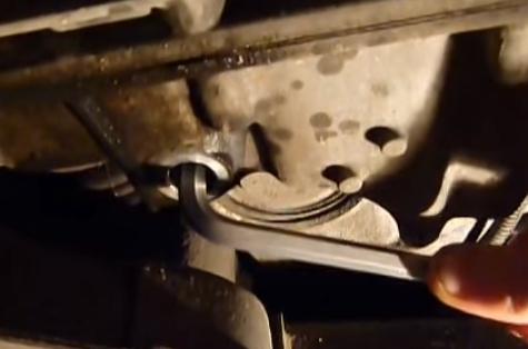 Сколько масла в МКПП (коробке передач) Рено Флюенс