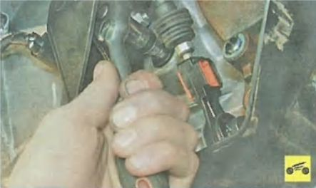 Замена масла в двигателе Форд Фокус 3 поколения своими руками