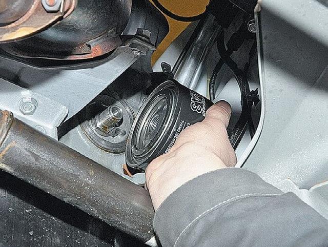Какое масло лучше заливать в двигатель Лады Гранты