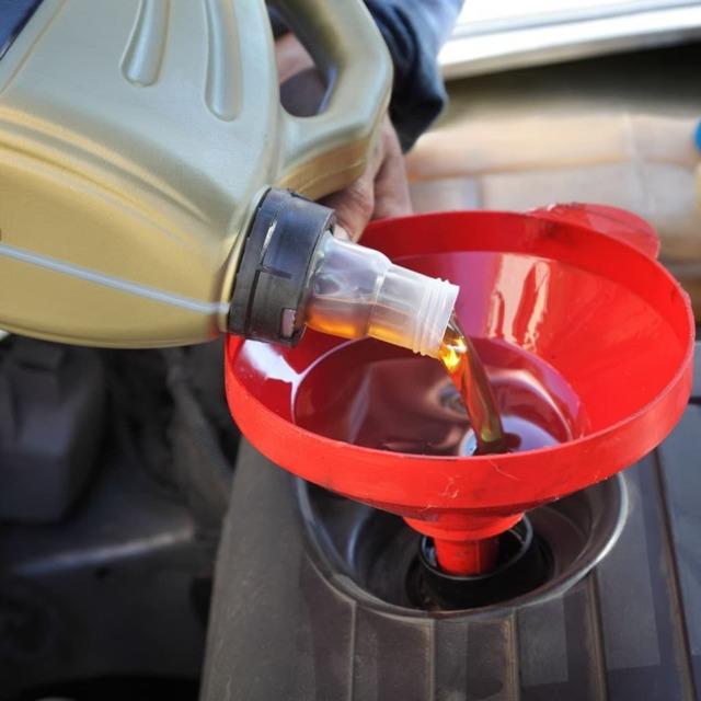 Какое масло заливать в двигатель 1.6, 2.0 Форд Фокус 3 покления