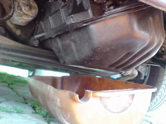 Сколько масла в двигателе Ауди 100