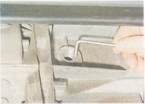 Какое масло заливать в коробку передач (КПП) Рено Логан