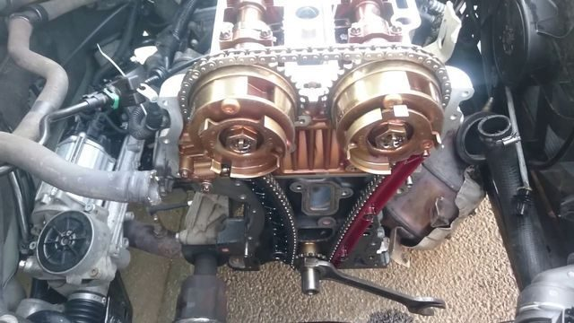 Сколько масла в двигателе Опель Астра j