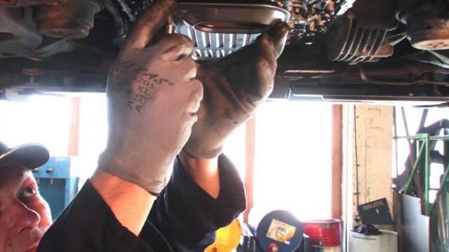 Замена масла в АКПП (автоматическая коробка) audi a4 b8 своими руками видео