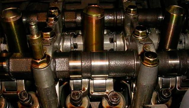 Какое масло лучше заливать в двигатель nissan almera g15 + видео по замене