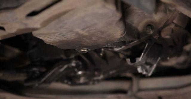 Какое масло заливать в двигатель Рено Сценик