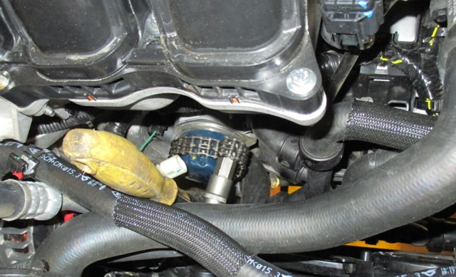 Сколько литров масла нужно заливать в двигатель Рено Каптур 1.6, 2.0