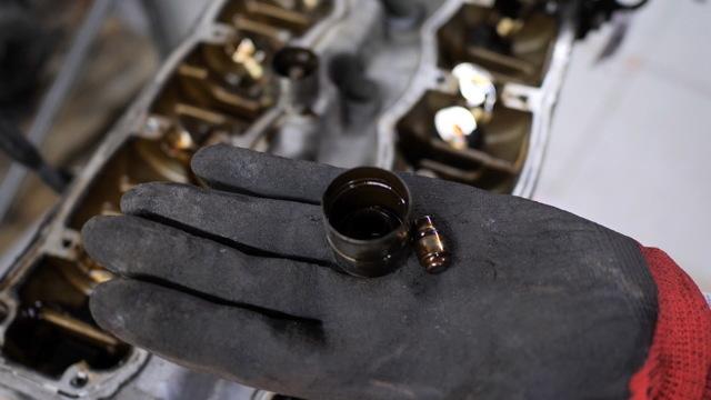 Сколько литров масла нужно заливать в двигатель Пежо Партнер 1.4, 1.6, 1.8, 1.9, 2.0
