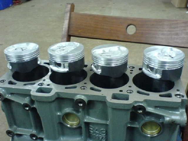 Какое масло лучше заливать в двигатель Лада Калина 1.4, 1.6 - 8 и 16 клапанные