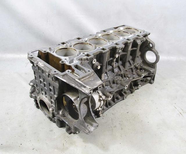 Сколько литров масла нужно заливать в двигатель БМВ Х1 2.0, 3.0