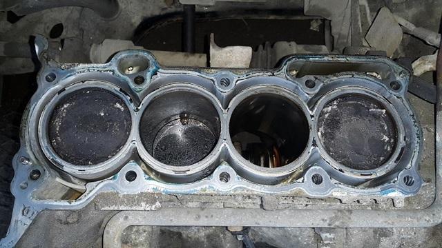 Какое масло заливать в двигатель Мицубиси Кольт