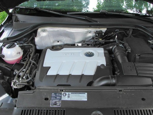 Какое масло лучше заливать в двигатель Фольксваген Тигуан 1.4, 2.0