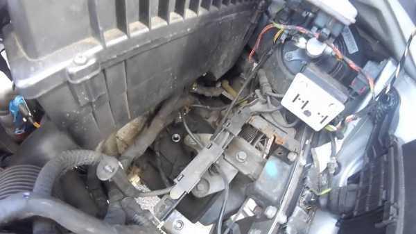 Сколько нужно литров масла для механической коробки передач Пежо 206