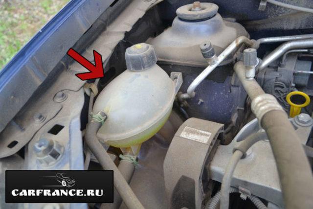Какое масло заливать в двигатель Рено Сандеро Степвей