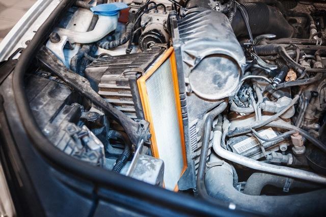 Сколько литров масла нужно заливать в двигатель Фольксваген Туарег 3.0 дизель
