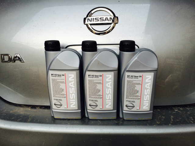 Сколько нужно литров масла для механической коробки передач Ниссан Тиида