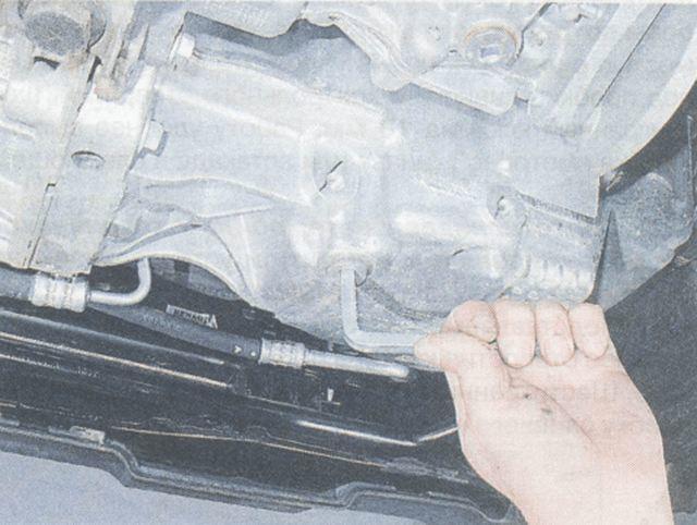 Сколько литров масла заливать в коробку передач Рено Дастер