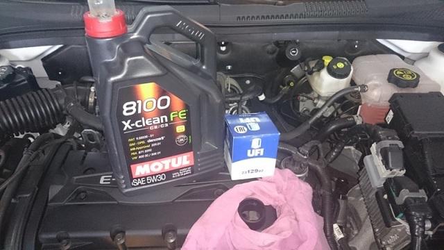 Какое масло лучше заливать в двигатель Шевроле Орландо 1.8