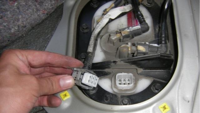 Сколько нужно литров масла для механической коробки передач Субару Форестер