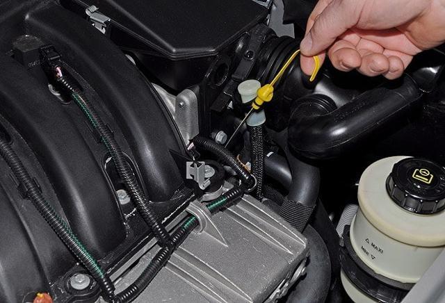Сколько масла в двигателе Рено Дастер 1.6