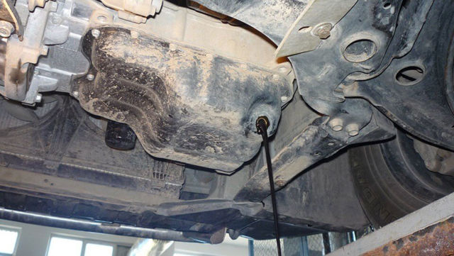 Сколько масла в двигателе Мицубиси Аутлендер ХЛ