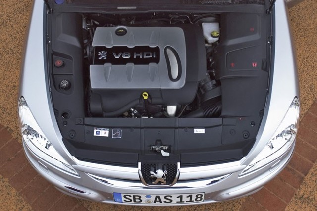 Какое масло лучше заливать в двигатель Пежо 607 2.0, 2.2, 2.7, 3.0