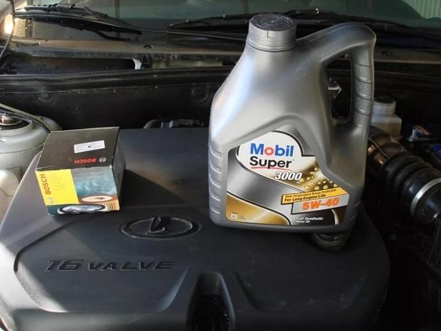 Какое масло лучше заливать в двигатель 8 клапанов Лада Гранта 1.6