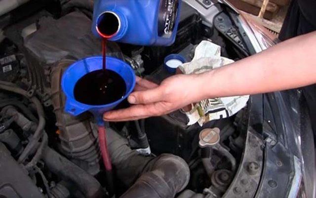 Какое масло лучше заливать в АКПП Рено Логан 1.6 8 и 16 клапанов