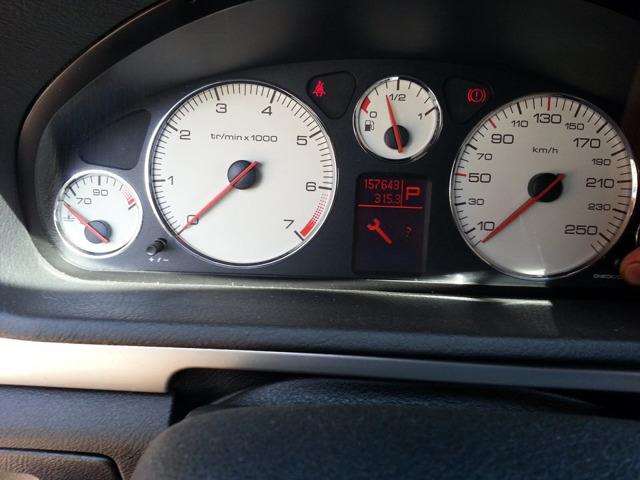 Сколько масла в двигателе Пежо 407