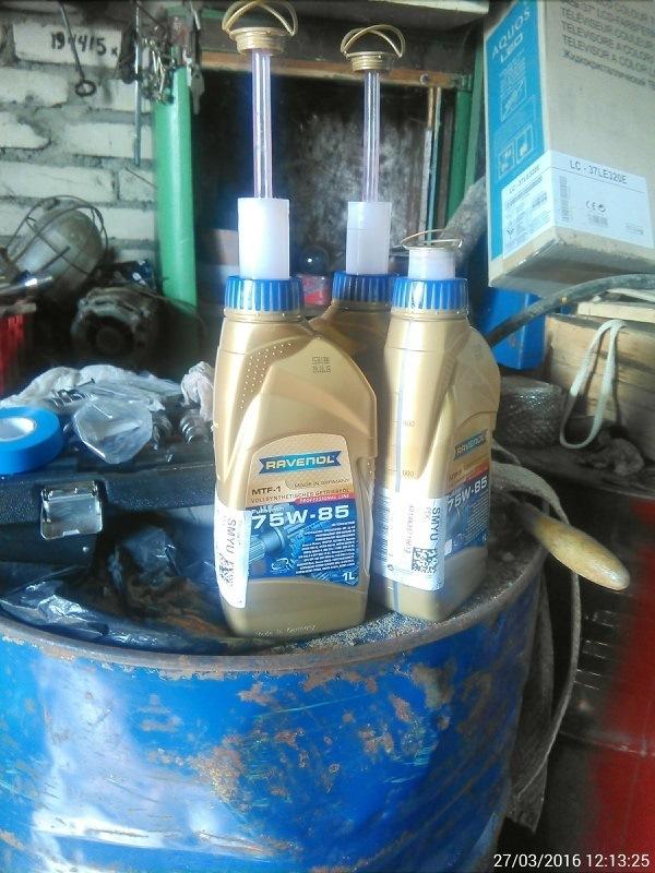 Сколько масла в МКПП (коробке передач) Ниссан Тиида