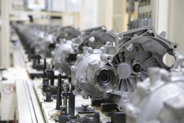 Сколько нужно литров масла для механической коробки передач Форд Фиеста