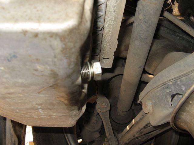 Какое масло лучше заливать в двигатель Шкода Октавия Тур