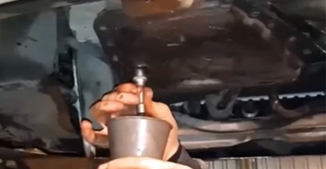Сколько литров масла нужно заливать в АКПП Шевроле Эпика