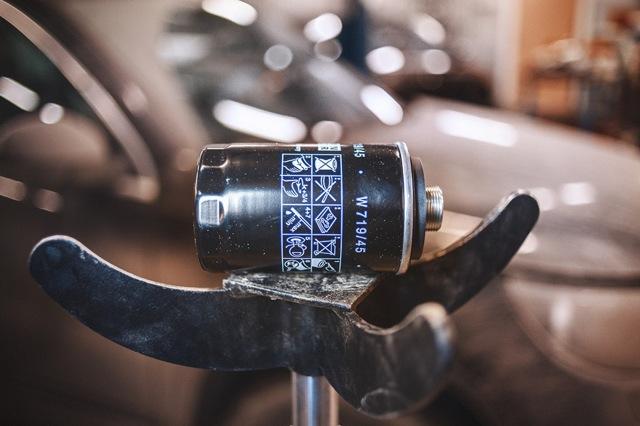 Сколько литров масла нужно заливать в двигатель Фольксваген Тигуан 2.0 170 л.с.