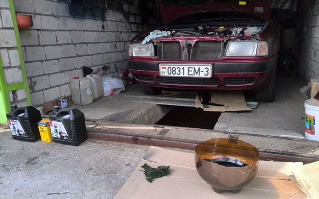 Сколько масла в двигателе Ауди 80