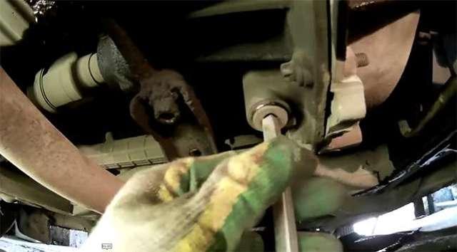 Какое масло заливать в механическую коробку передач Рено Логан 1.4