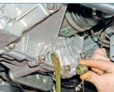 Сколько масла в МКПП (коробке передач) Лада Приора