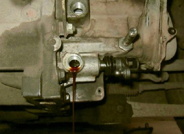 Какое масло заливать в механическую коробку передач Чери Индис