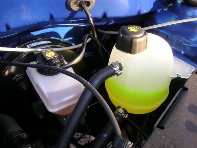 Сколько нужно литров масла для механической коробки передач Рено Логан 1.6 8 и 16 клапанов