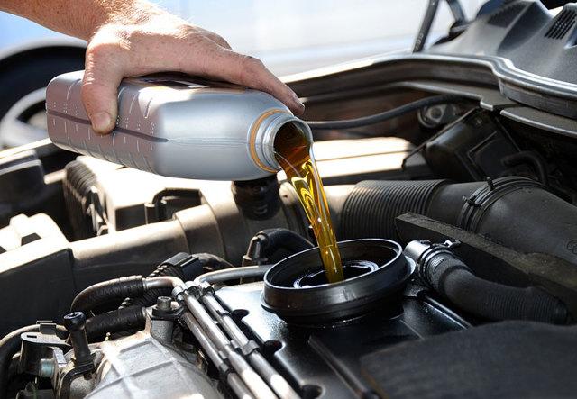 Сколько литров масла нужно заливать в двигатель Ниссан Микра 1.0, 1.2, 1.4, 1.5, 1.6