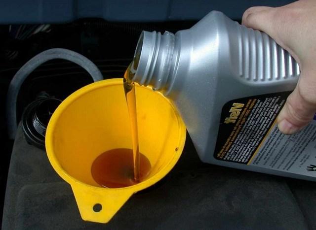 Какое масло лучше заливать в двигатель УАЗ Хантер 2.7, 2.9