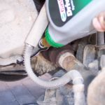 Замена масла в коробке передач (МКПП) Пежо 206 своими руками