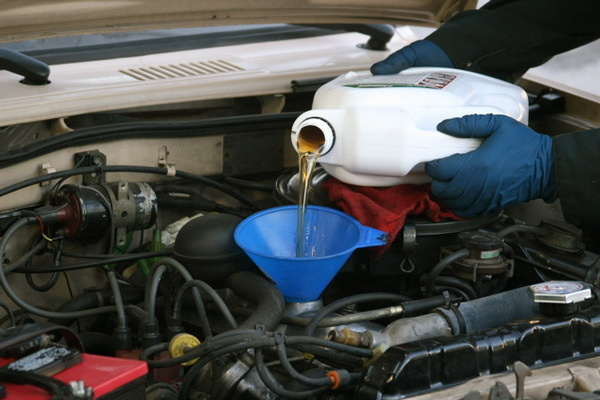 Сколько нужно литров масла для механической коробки передач Мицубиси АsХ