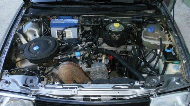 Сколько нужно литров масла для механической коробки передач Ауди 80