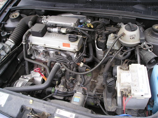 Сколько литров масла нужно заливать в двигатель Фольксваген Гольф 1.0, 1.2, 1.3, 1.4, 1.6, 1.8, 1.9, 2.0, 2.3, 2.8, 3.2
