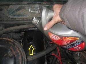 Сколько литров масла нужно заливать в двигатель Лады Гранты
