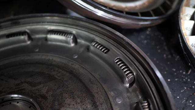 Сколько литров масла нужно заливать в АКПП Крайслер Вояджер