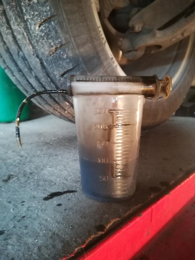 Какое масло лучше заливать в двигатель Пежо 407 2.0, 2.2, 2.9